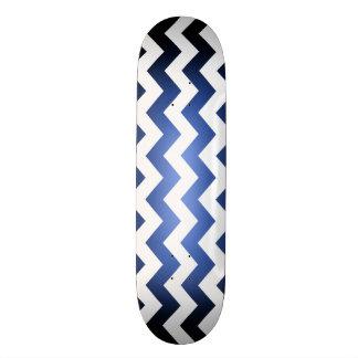 O azul/preto desvanece-se a plataforma branca do shape de skate 18,4cm