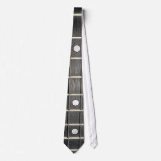 O banjo amarra a gravata dos músicos de Fretboard