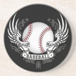 O basebol voa a porta copos