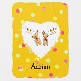 o bebê junta brinquedos (ursos de ursinho & as mantas para bebe