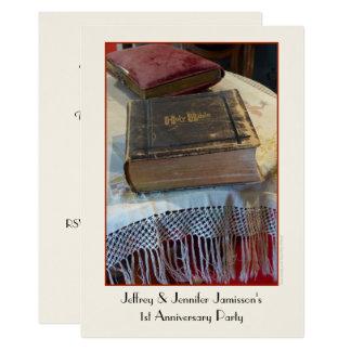 ø Bíblia do vintage do convite da festa de