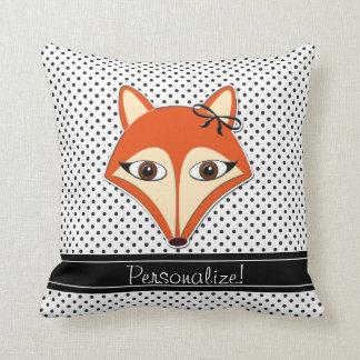 O branco Foxy do preto das bolinhas do travesseiro