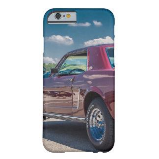 O carro ostenta o metal vermelho das engrenagens capa iPhone 6 barely there