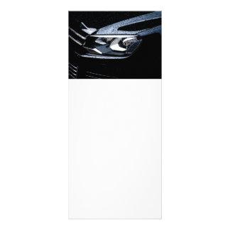 O carro preto com a chuva deixa cair nele 10.16 x 22.86cm panfleto