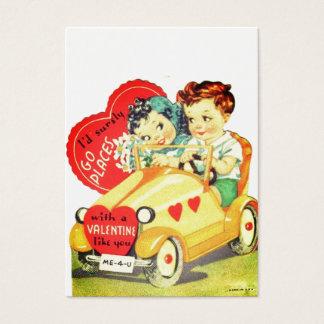 O carro vintage caçoa namorados do dia dos cartão de visitas