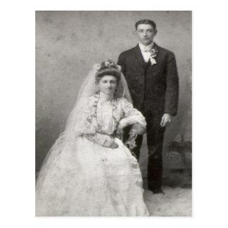 O cartão do casamento cartão postal