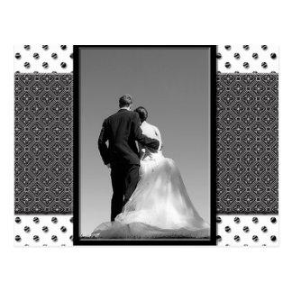 O casal Wedding salvar o cartão de data Cartão Postal