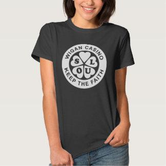 O casino de Wigan mantem a fé T-shirts