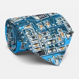 O conselho de circuito do geek do computador do gravata
