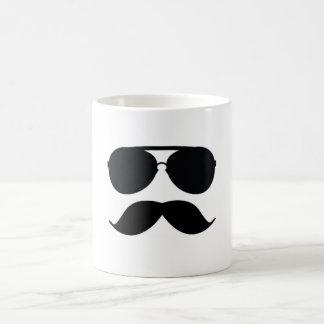 O copo de café do homem do bigode caneca