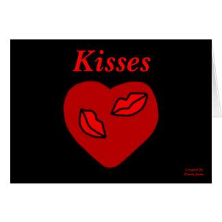 O coração beija o cartão horizontal