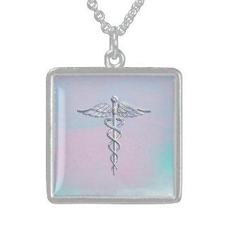 O cromo gosta da pérola médica da mãe do símbolo colar com pendente quadrado
