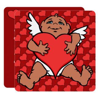 O Cupido dos convites dos namorados carda o