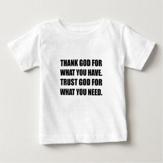 O deus do obrigado para tem a necessidade da camisetas