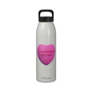 O dia dos namorados suga o coração cor-de-rosa dos garrafas de água