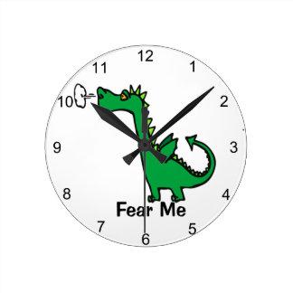 O dragão dos desenhos animados teme-me relógio redondo