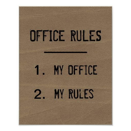 O escritório engraçado ordena o poster