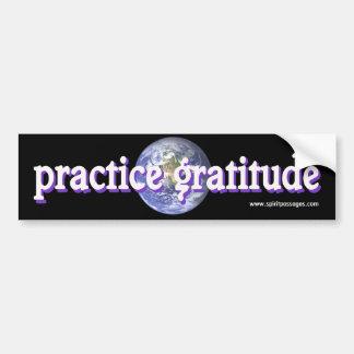 O espírito passa a etiqueta da gratitude da prátic adesivo para carro