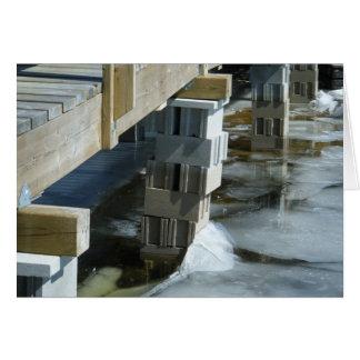 O fluxo do gelo encontra a ponte cartão comemorativo