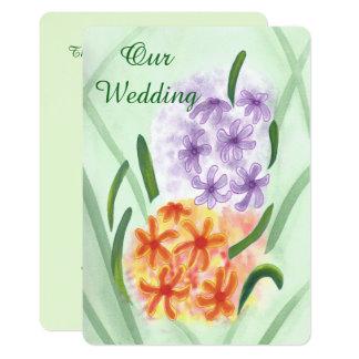 O jacinto alaranjado roxo floresce convites de