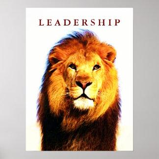 O leão inspirador da liderança Eyes o poster do