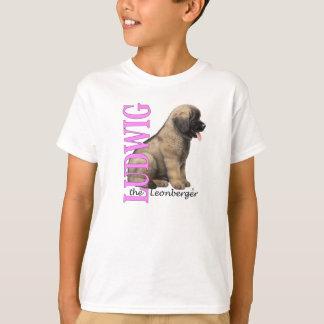 O Ludwig do miúdo o t-shirt do filhote de cachorro