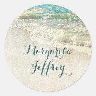 O mar da cerceta acena o casamento de praia adesivo