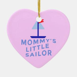 O marinheiro pequeno da mamã ornamento de cerâmica coração
