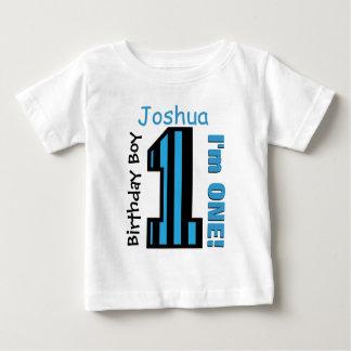 O menino do primeiro aniversario listra um nome tshirt