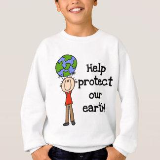 O menino protege nossos t-shirt e presentes da