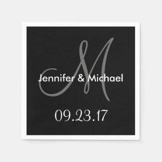 O monograma do casamento nomeia a data cinza guardanapo de papel