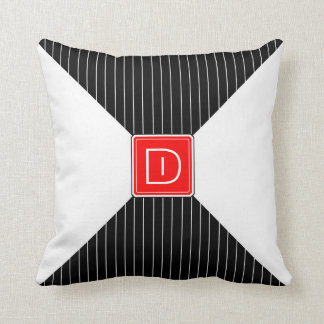 O monograma listra preto e branco almofada