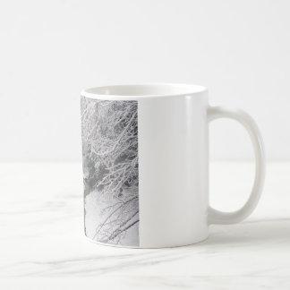 O morto de inverno caneca de café