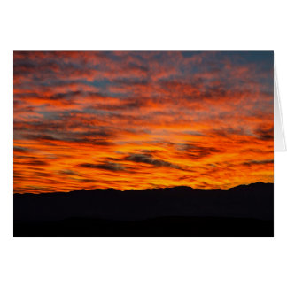 O nascer do sol do diabo cartão