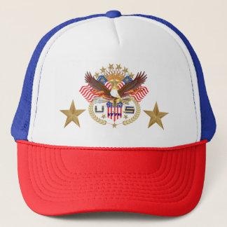 O nome de etiqueta patriótico do veterano diz a boné