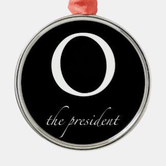 O | o presidente ornamento redondo cor prata