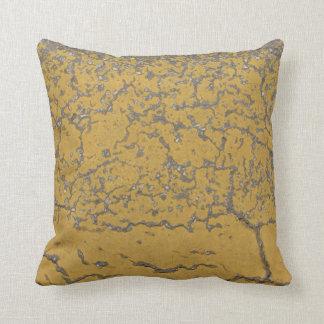 O pastel cinzento amarelo crackles travesseiro almofada