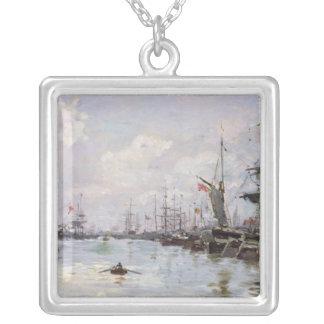 O porto colar banhado a prata