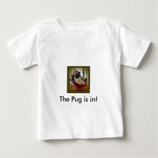 O Pug está dentro! T-shirt
