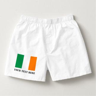 O pugilista irlandês da bandeira shorts o roupa samba-canção
