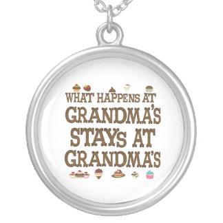 O que acontece em avós colar banhado a prata