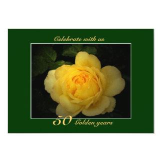 O rosa amarelo, celebração dourada do aniversário convite 12.7 x 17.78cm