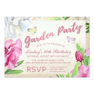 O rosa do partido de jardim floral com borboletas convite 12.7 x 17.78cm