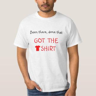 O roteiro vermelho obteve o tshirt engraçado