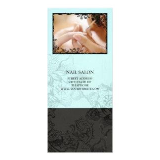 O salão de beleza do prego presta serviços de manu 10.16 x 22.86cm panfleto
