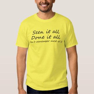 O slogan engraçado cita presentes dos amigos do camiseta