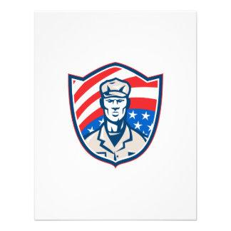 O soldado americano com protetor da bandeira dos E Convites Personalizados