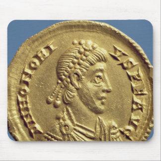 O Solidus de Honorius drapeja, cuirassed Mouse Pad