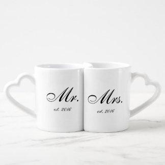 """O """"Sr. & a Sra. """"personalizaram o grupo da caneca"""