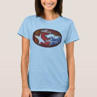 O surfista das senhoras de Maui Havaí acena o T do Camiseta
